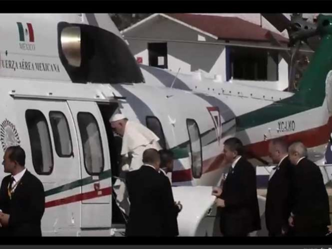 Francisco se traslada en helicóptero hacia Tuxtla Gutiérrez
