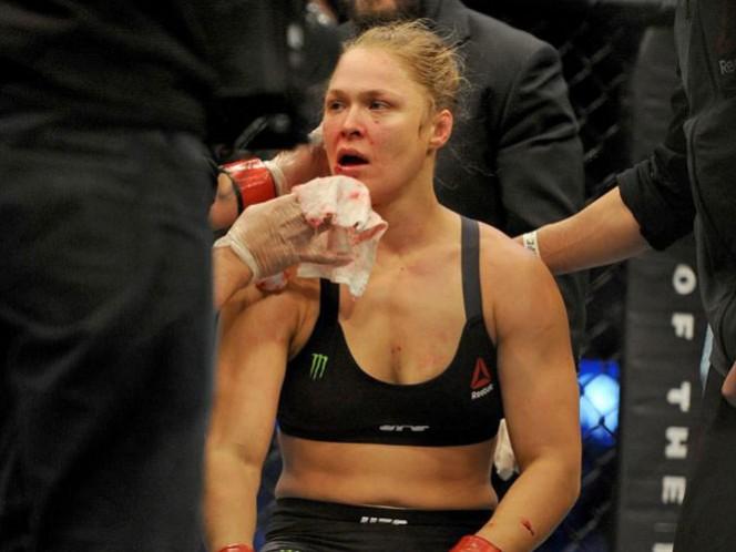 La peleadora californiana aseguró haber vivido uno de los capítulo más difíciles de su vida al caer ante Holly Holm (EFE)