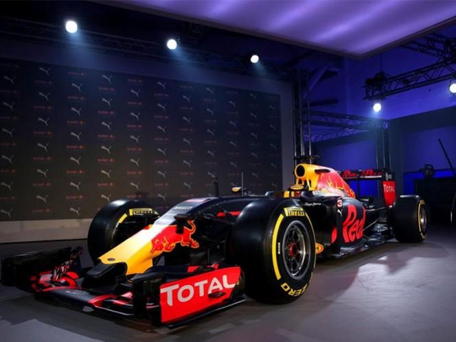"""""""Ver los nuevos colores de la escudería para este año junto con el nuevo uniforme de Puma es un gran momento para nosotros"""", afirmó el director de Red Bull Racing, Christian Horner (Foto tomada de www.redbullracing.com)"""