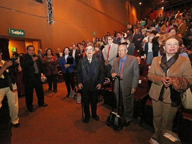 León-Portilla agradeció a los presentes y a la UNAM por todo lo que ha ocurrido en su vida.