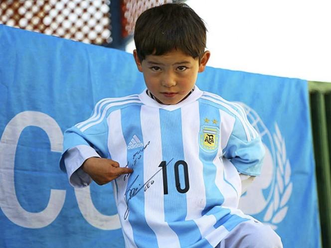 El regalo y mensaje de Messi que hace feliz a Murtaza (EFE)