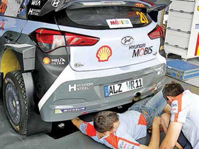 Los autos que correrán el WRC en Guanajuato, reciben los últimos toques para estar listos para la tercera ronda del campeonato (Foto: AFE)