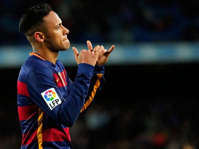 Marcelo no es convocado por Brasil; Neymar lidera ataque (AP)
