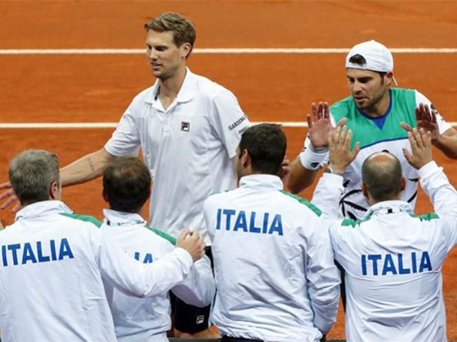 Italia y Francia, por la vía rápida a cuartos en Copa Davis (Foto tomada de @CopaDavis)