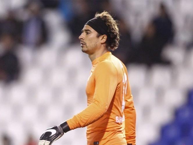El portero mexicano lamentó la lesión que sufrió su compañero. (@MalagaCF)