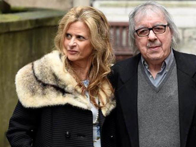 Padre de cuatro hijos, Wyman fue visto en público el pasado fin de semana en la boda en la capital británica del magnate de la prensa Rupert Murdoch y la ex modelo Jerry Hall, quien fue pareja del vocalista de The Rolling Stones, Mick Jagger. (EFE)