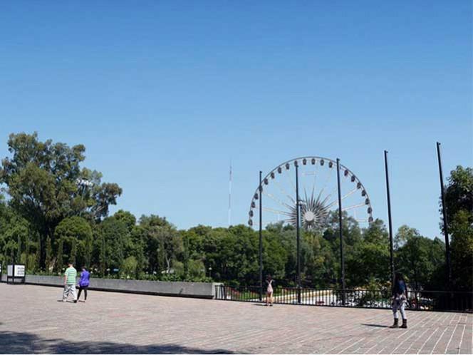 El proyecto de la Rueda de la Ciudad de México es un atractivo que podría beneficiar a alrededor de 11 millones de personas que visitan anualmente la primera sección del Bosque de Chapultepec. Foto: lagranrueda.com