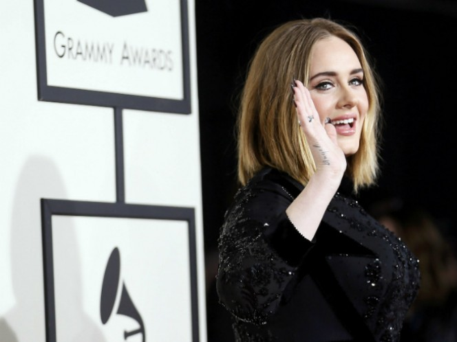 Adele inauguró su Tour 2016 la noche de ayer en Belfast