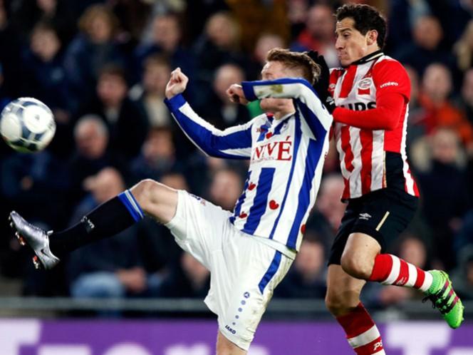 Guardado y Moreno no pueden darle los tres puntos al PSV y podrían terminar en segundo sitio al finalizar esta jornada en la Eredivisie (Foto: Cortesía PSV Eindhoven)