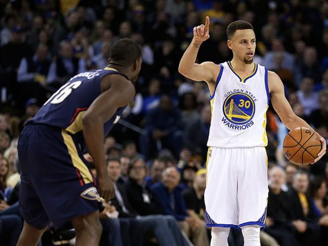 Stepehn Curry anota 27 puntos en su cumpleaños 28 en la victoria de Golden State de 125-107 sobre los Pelicans de Nueva Orleans (AP)