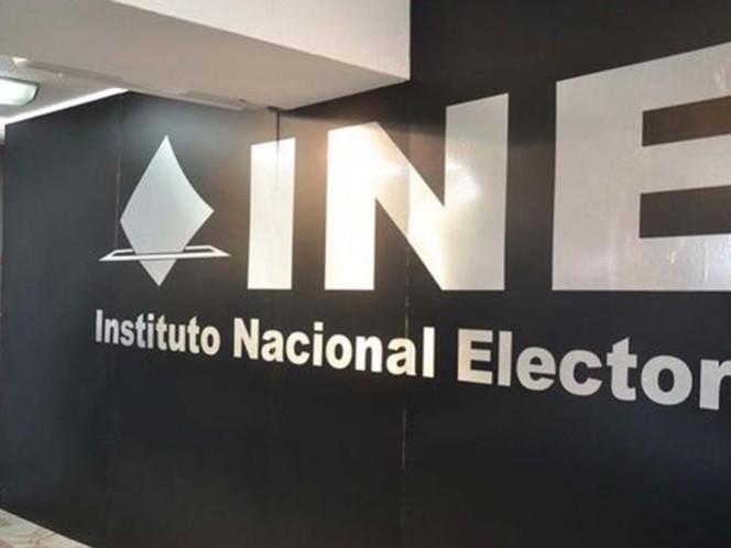 La Comisión de Quejas y Denuncias del INE ordenó suspender la difusión de los spots