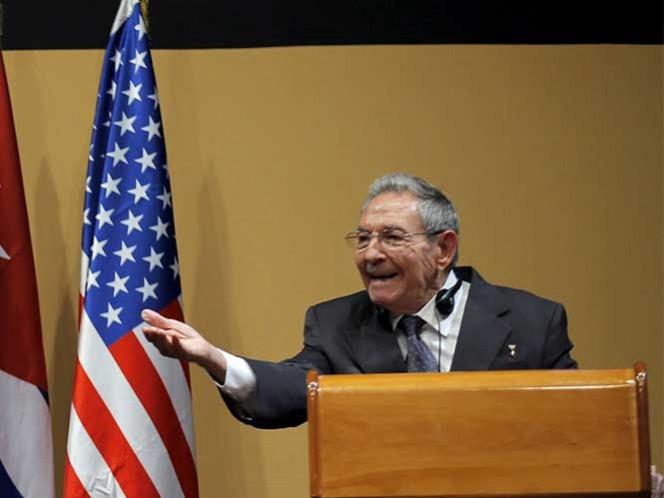 Raúl Castro interrumpe a Obama por pregunta de presos políticos