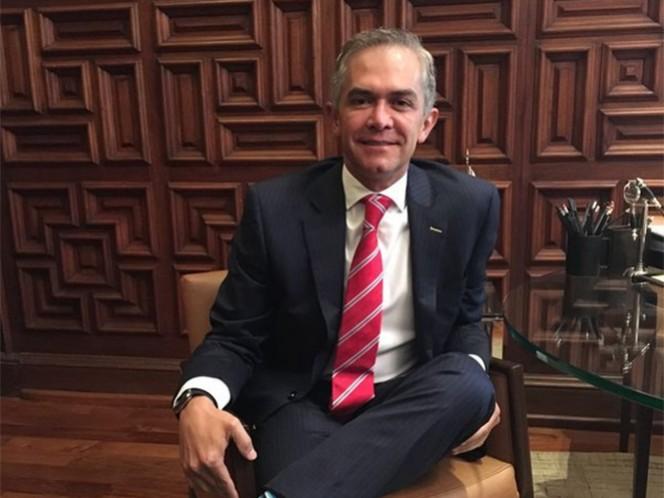 El iniciar la ampliación de la Línea A del metro de Pantitlán a Chalco, con siete u ocho estaciones y 16 trenes nuevos, se contará con un presupuesto de entre 800 millones y mil millones de pesos, informó el jefe de gobierno capitalino, Miguel Ángel Mancera