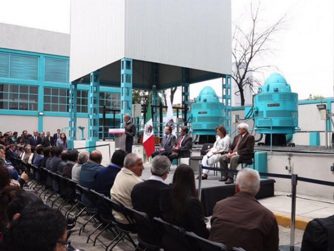 Miguel Ángel Mancera encendió los seis nuevos motores en la rehabilitación de la planta de bombeo San Cosme.