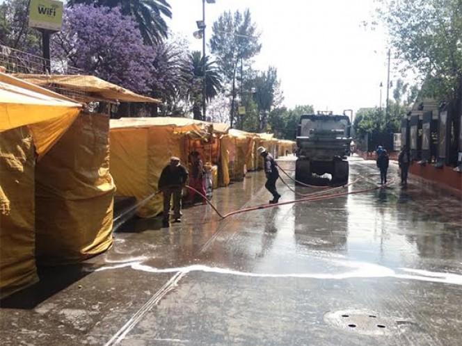 Puestos de comercio han sido instalados para todos los visitantes a la representación de La Pasión de Cristo en Iztapalapa.