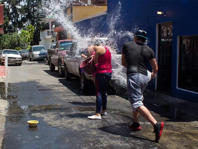 Las autoridades capitalinas recomiendan a la población no desperdiciar agua este Sábado de Gloria.