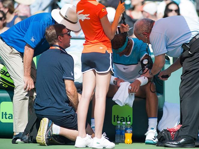 El español mandó a llamar al médico en dos ocasiones durante su debut en el ATP de Miami (EFE)