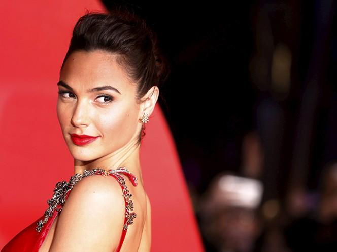 A la edad de oro de los superhéroes en Hollywood le hacía falta una mujer como protagonista y la nueva Mujer Maravilla. Foto: AP
