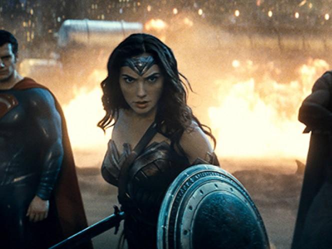 La prueba de fuego para Wonder Woman llegará en 2017 cuando sea la encargada de protagonizar su propio filme. Foto: AP