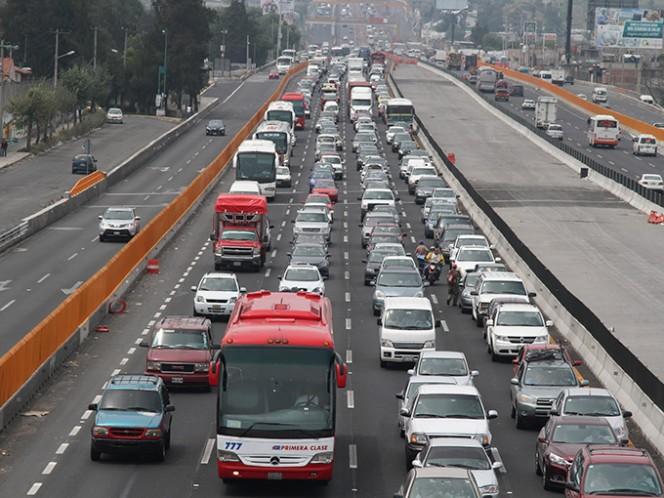 Durante la mañana de este domingo, en la Autopista México- Toluca ingresan a la Ciudad de México 37 vehículos por 34 que la abandonan. Foto: Archivo Cuartoscuro
