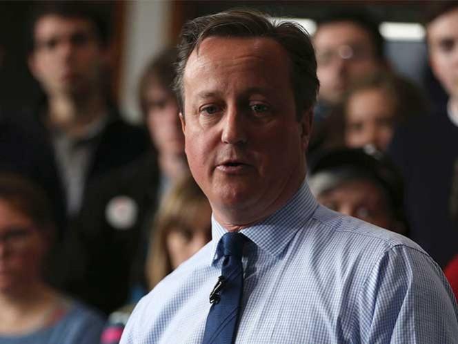 Premier británico acepta haberse beneficiado de paraíso fiscal