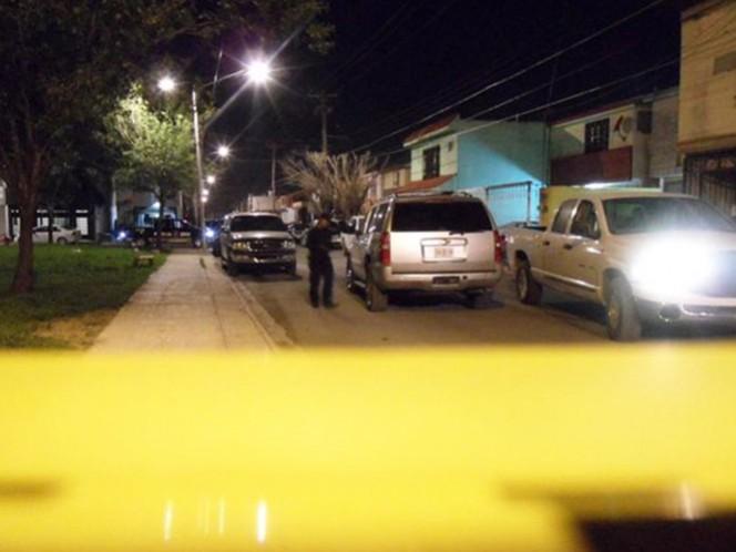 El área en la escena del crimen múltiple en un domicilio de Apodaca fue resguardada. Foto. Periódico ABC