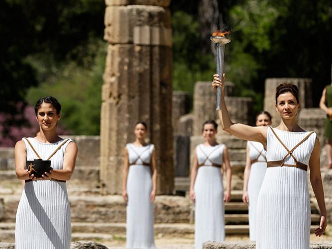 Encienden en Grecia la antorcha de repuesto de los Juegos Olímpicos de Río 2016 (Fotos: AP)
