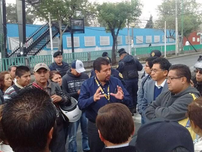 Los inconformes bloquearon Rojo Gómez y Sur 16, en la delegación Iztacalco. Foto: @JuanJoseGarciaO