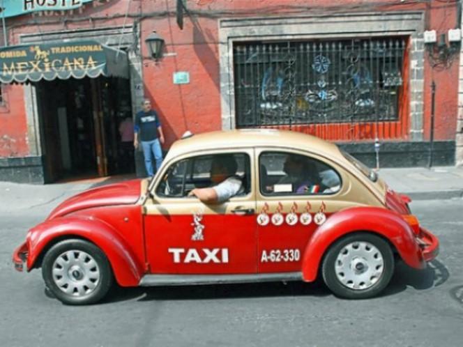 """Cuando aparecieron los denominados """"Iron Man"""", empezaron a desaparecer los Vochos como vehículos taxi. Foto: Especial"""