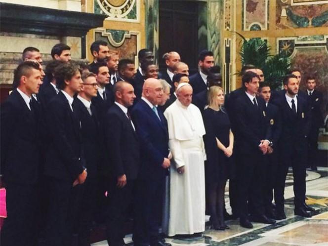Pide el Papa fraternidad entre jugadores de Juventus y Milán, previo a la final de Copa de Italia (Foto tomada de @OfficialMonto)