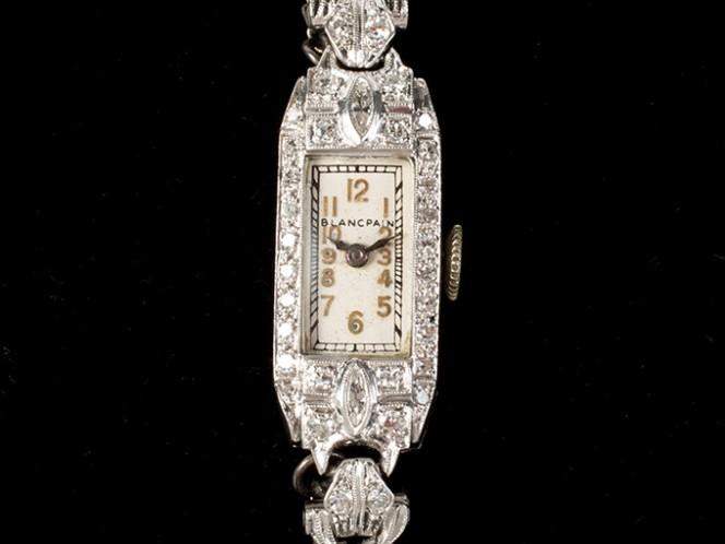 """Una de las """"perlas"""" de la colección es un reloj de platino y diamantes de Blancpain, una de las escasas joyas que poseía Monroe en propiedad y que ha sido aportada por el fondo fiduciario de Strasberg."""