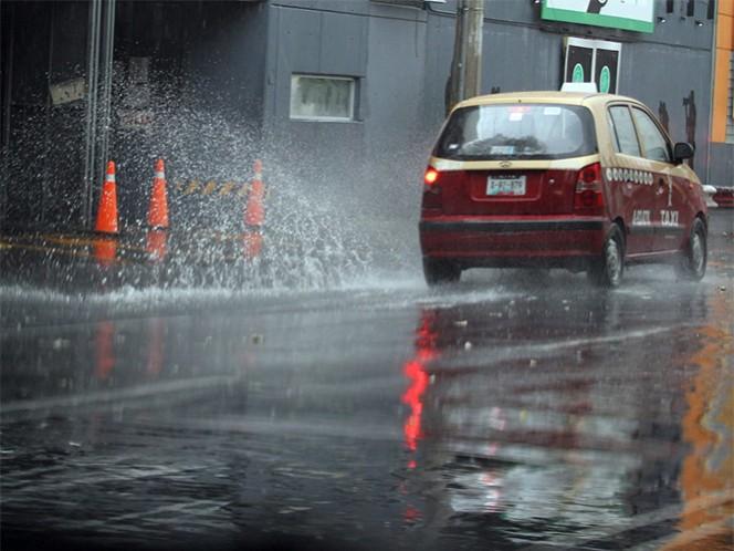 Las ondas tropicales número 8 y 9 y dos canales de baja presión ocasionarán lluvias; en el norte se esperan temperaturas de 40 grados