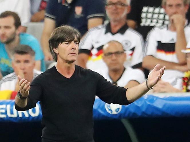 Joachim Lów seguirá con Alemania hasta el 2018 (AP)