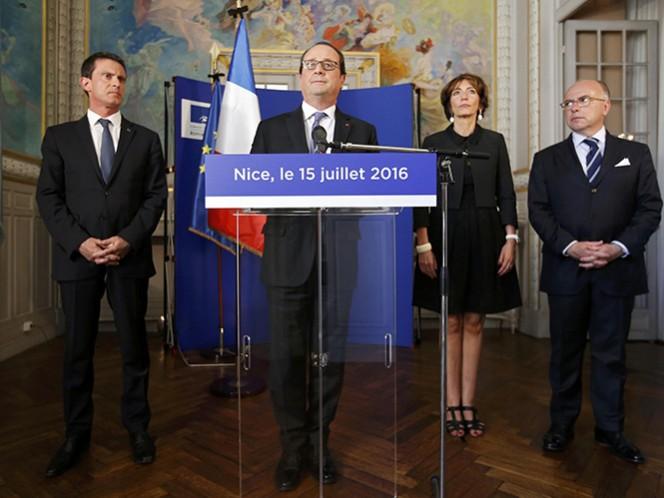 """El presidente francés indicó que medio centenar de heridos en el atentado en Niza están """"en estado crítico, entre la vida y la muerte"""""""