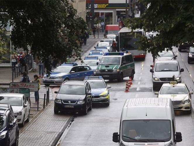 Las autoridades lanzaron una orden de búsqueda; los empleados recibieron la orden de permanecer al interior de la oficinas en Colonia