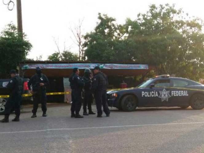 La mujer de 18 años, quien iba en compañía de otro joven, resultó ilesa del ataque; al descender del vehículo de desvaneció, aparentemente sin ninguna herida de bala