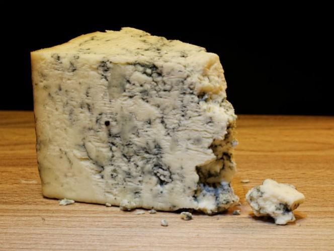 Los expertos creen que es una combinación de levadura con queso Roquefort.