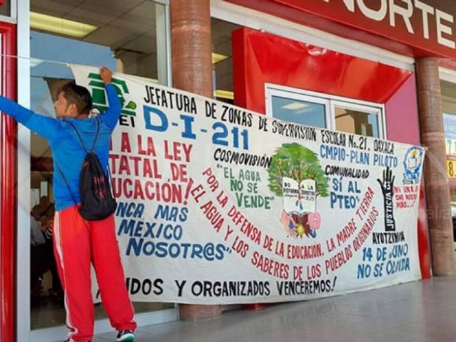 Los docentes realizan este lunes diversas movilizaciones en Oaxaca; amagan con bloquear carreteras y comercios