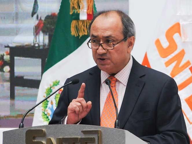 El subsecretario de Planeación, Evaluación y Coordinación de la SEP señaló que renunciar a la reforma sería un fracaso histórico. Foto Cuartoscuro
