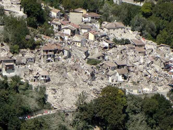 Hasta el momento se contabilizan 247 víctimas mortales por el terremoto de 6.1 grados. (AP)
