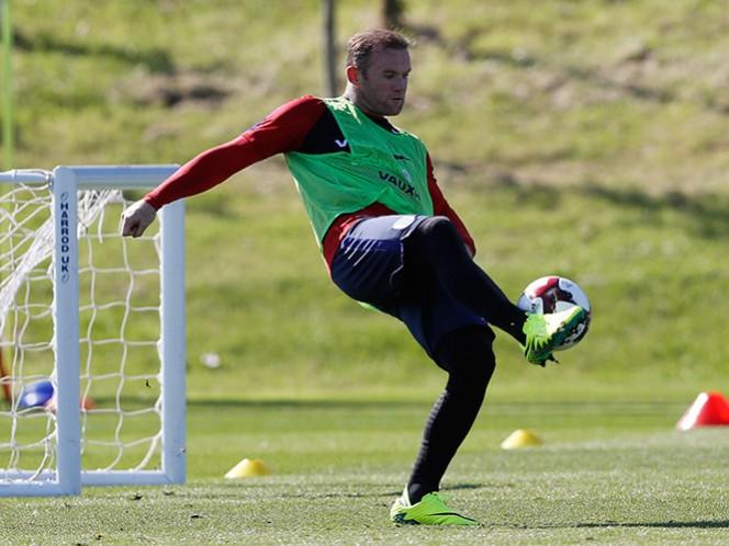 Rooney es capitán de la selección desde 2014. (Reuters)