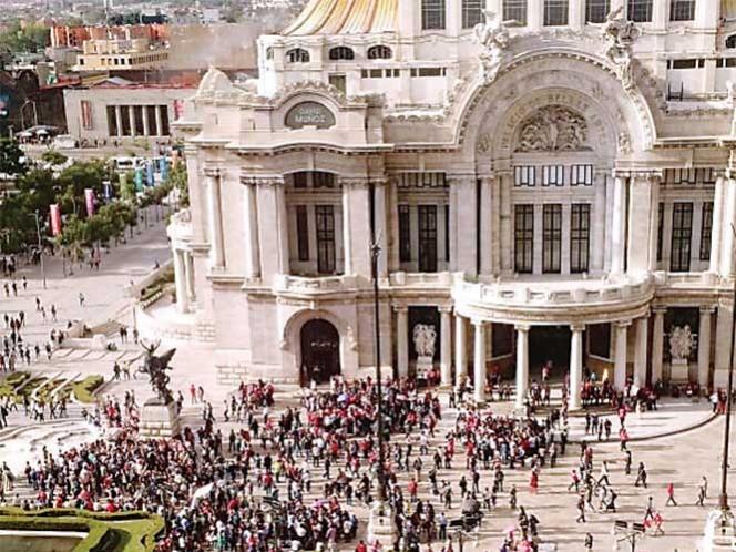 El lunes próximo se llevará a cabo el homenaje al cantautor Juan Gabriel en el Palacio de Bellas Artes. Foto Archivo