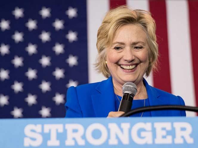 Clinton reanudará su campaña esta semana