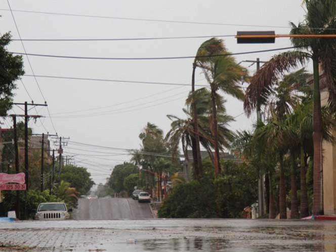 Por el paso del huracán 'Newton', la Segob ofrecerá el apoyo necesario para Los Cabos, La Paz, entre otras comunidades