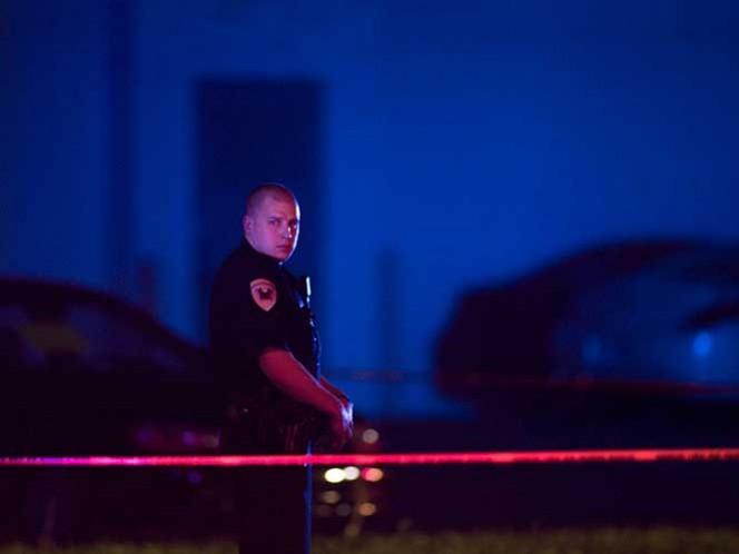 La investigación reveló que sólo se trataba de una pistola de balines con una mira láser añadida. Foto: Archivo AP.