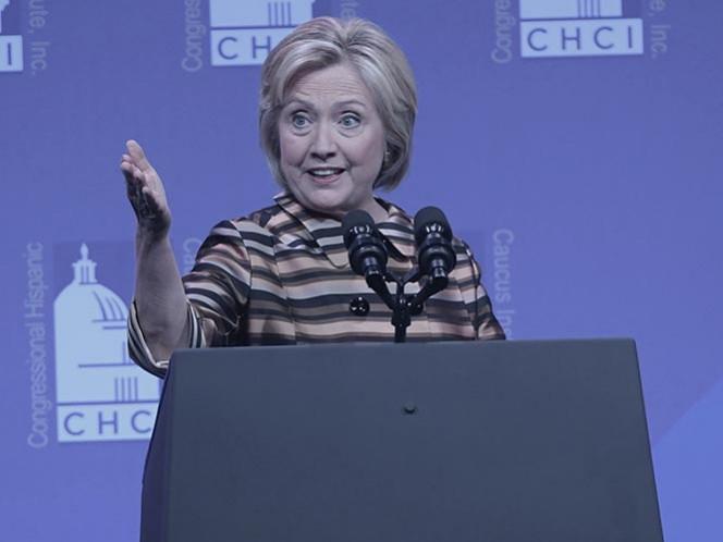 Global: Clinton regresa a la campaña tras tres días de reposo