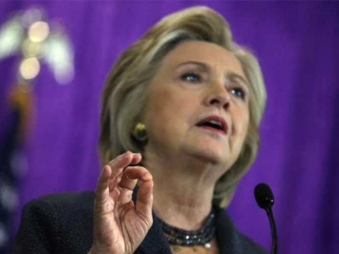 Según su coordinador de medios hispanos, Hillary Clinton ha dicho que está abierta a reunirse con el presidente Peña Nieto.