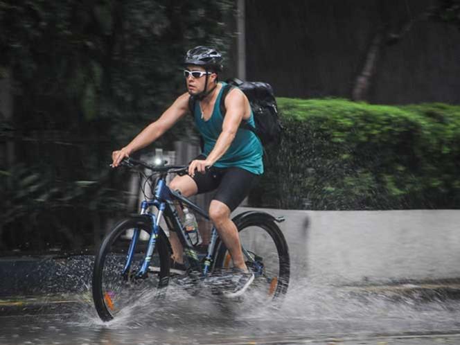 Pronostican fuertes lluvias en todo el país debido a onda tropical