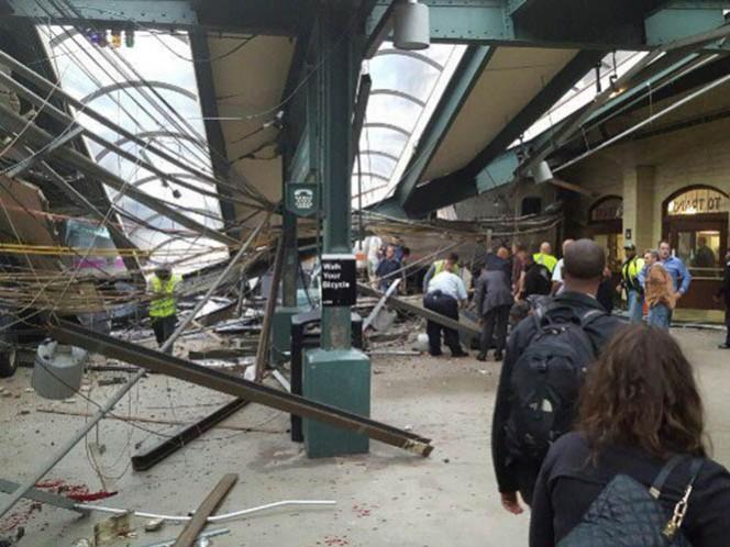 Aparentemente el tren no se detuvo a su llegada a la estación y se empotró contra la instalación