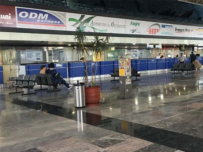 La Cámara Nacional de Autotransporte, Pasaje y Turismo anunció la medida, debido a la inseguridad por los normalistas
